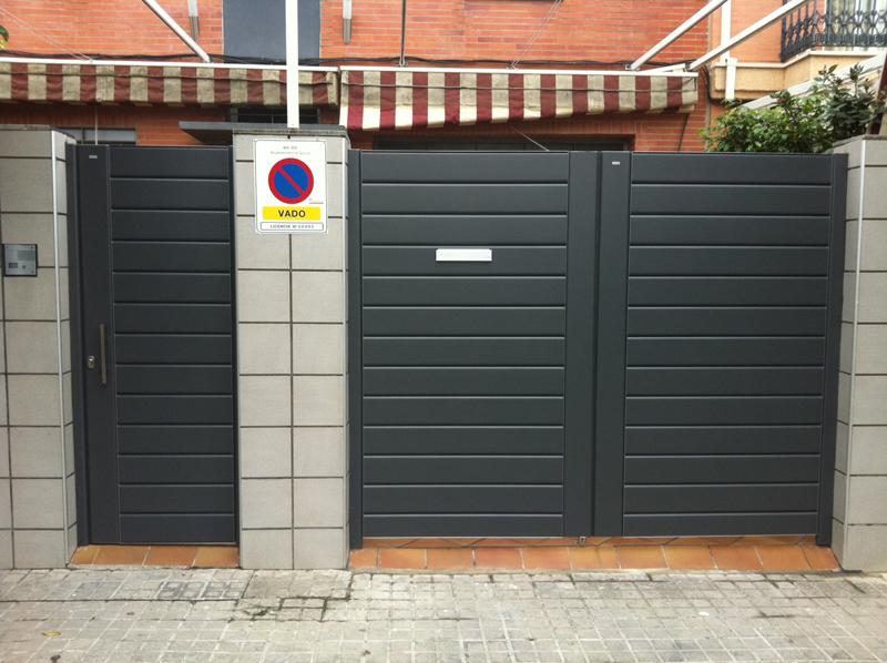 Garaje abatibles puertas indumetal for Puertas abatibles garaje